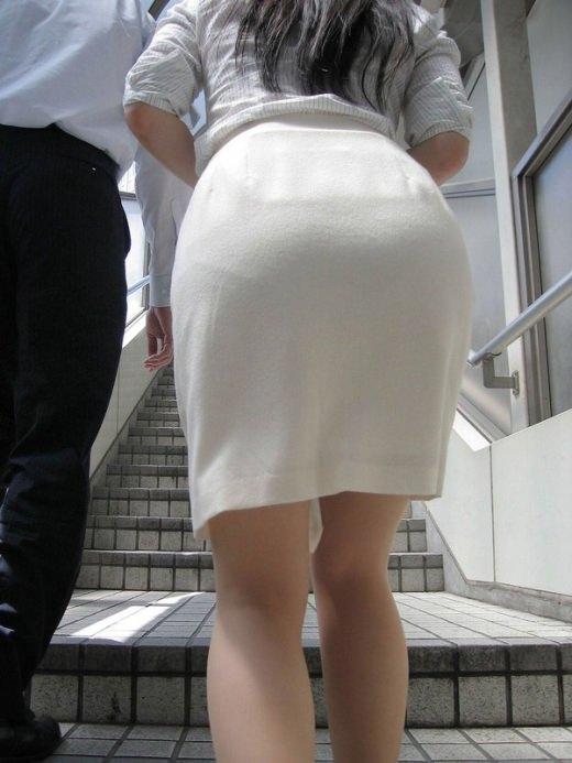 パンツが透けまくりな素人女子 (13)