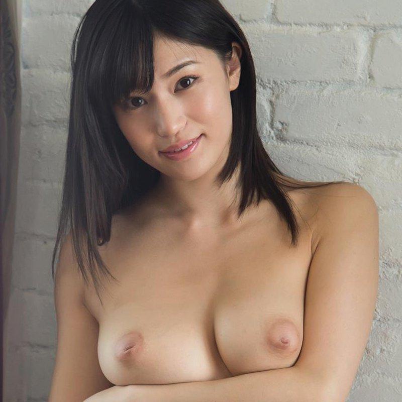 巨乳グラドルの濃厚SEX、高橋しょう子 (1)