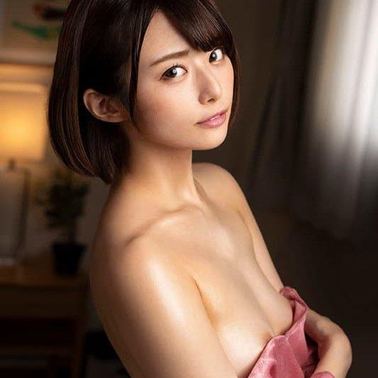 【月乃ルナ】アイドルみたいな清楚系美少女が変態セックスで濃厚中出し