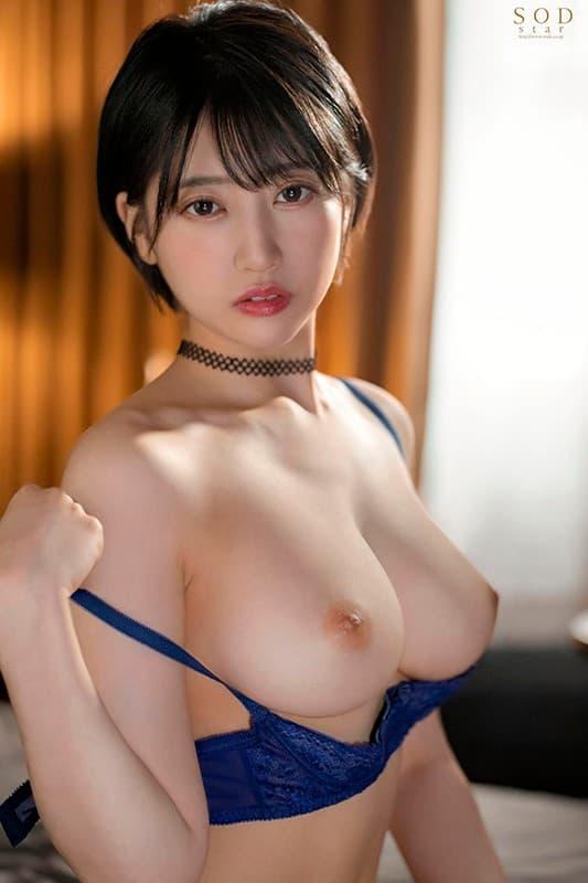 ショートヘアの美女が本番SEX、夏目響 (12)