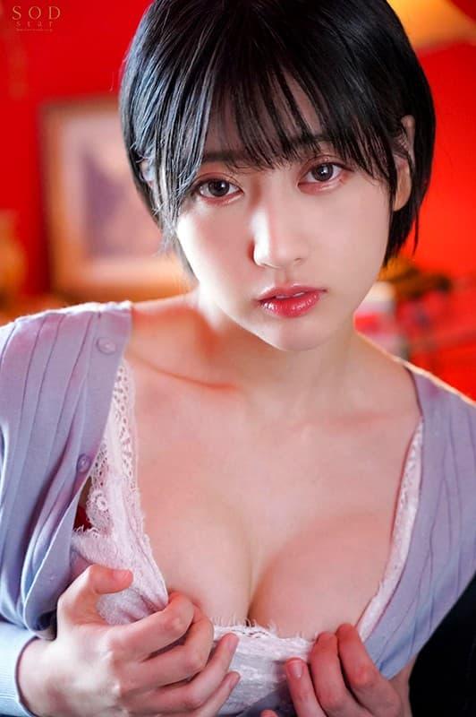 ショートヘアの美女が本番SEX、夏目響 (11)